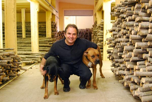dogs + logs 600W